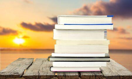 information medium: Book.