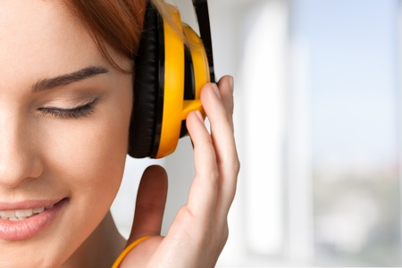 auriculares: Música. Foto de archivo