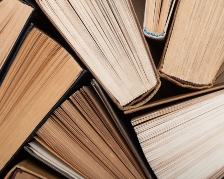 추상: 책.