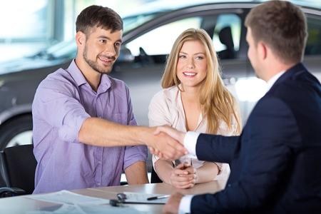 woman buying: Car.