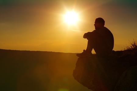 hombre orando: Orar.