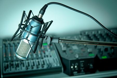 microfono de radio: Radio.