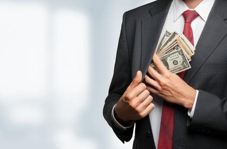 money in the pocket: Dinero.