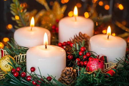 advent candles: Christmas.