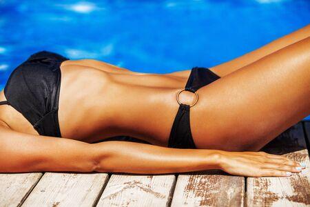 femme noire nue: Bikini. Banque d'images