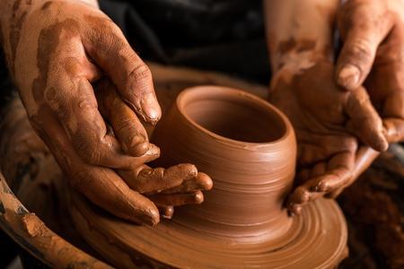 ceramica: Niño. Foto de archivo