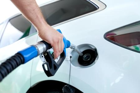 ガソリン。