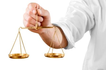 balanza en equilibrio: Escala de peso.