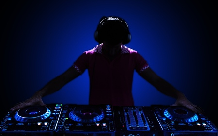 Party DJ. Stock Photo - 48441910