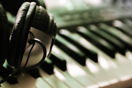 klavier: Aufnahmestudio.