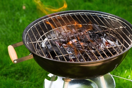 barbecuing: Grill.