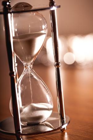 minute hand: Hourglass.