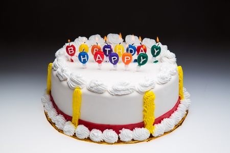 pastel cumpleaños: Pastel de cumpleaños.
