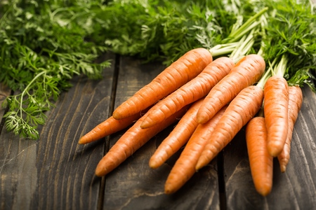 carrots: Zanahorias.  Foto de archivo