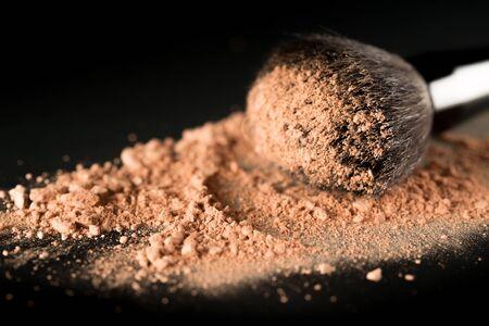 black makeup: Make-up.