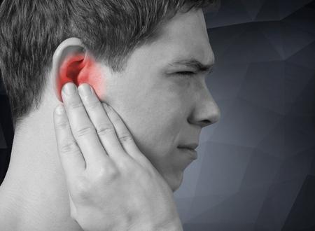 dolor de oido: Oreja.
