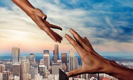 el mundo en tus manos: Mano humana. Foto de archivo