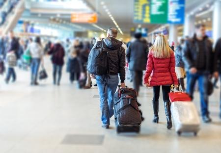 persona viajando: Aeropuerto.