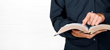 Biblia. Foto de archivo - 50446891