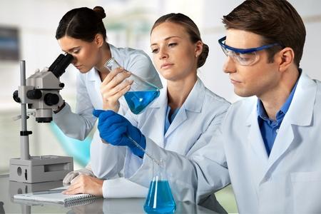 beaker: Laboratorio.