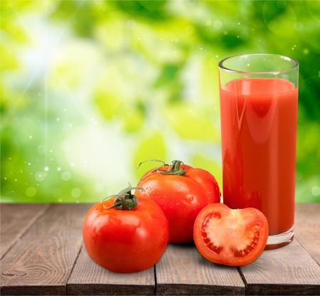 jugo de frutas: Jugo de tomate.