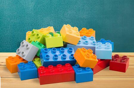 descriptive color: Plastic Block.