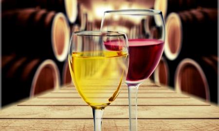 Wein.  Standard-Bild - 51034006