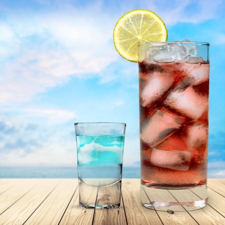 blue hawaiian drink: Cocktail.