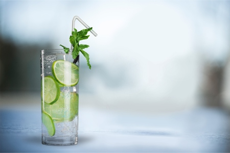 alcohol drinks: Ice.