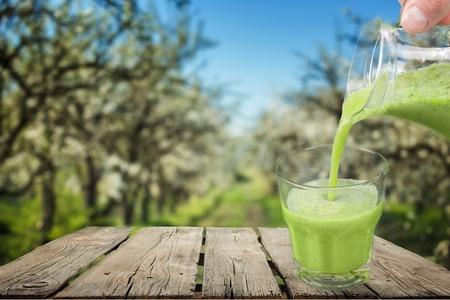 légumes verts: Vert.