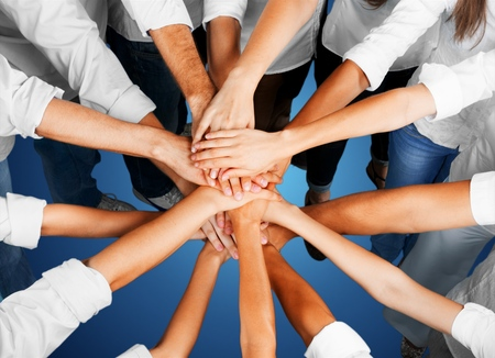 manos juntas: Mano humana. Foto de archivo