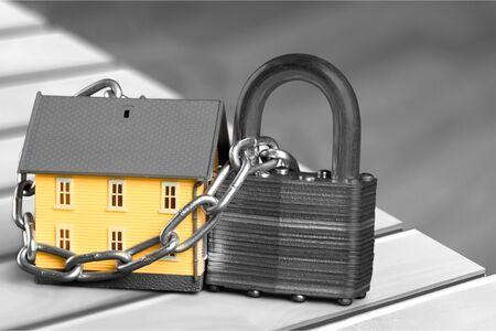 burglar protection: House.