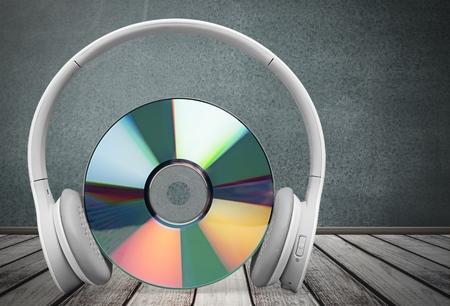 dvd rom: Headphones.