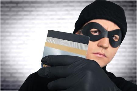 swindled: Thief.