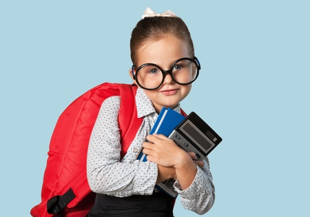 niño escuela: Financiar.