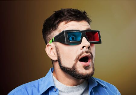 stupor: Glasses.