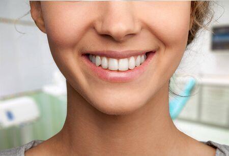 using voice: Dentist.