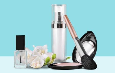 aureate: Makeup.
