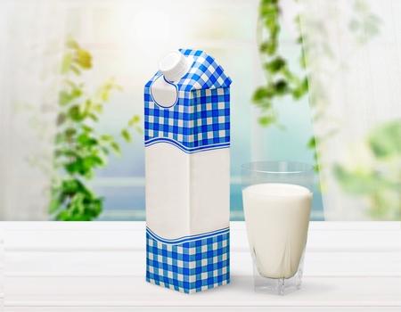 Milch. Standard-Bild - 80976794