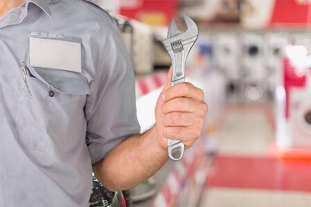 air cleaner: Mechanic.