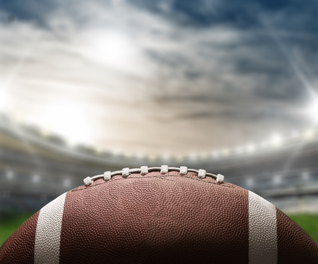 アメリカンフットボールと手描きの黒板遊び。 写真素材 - 89589654