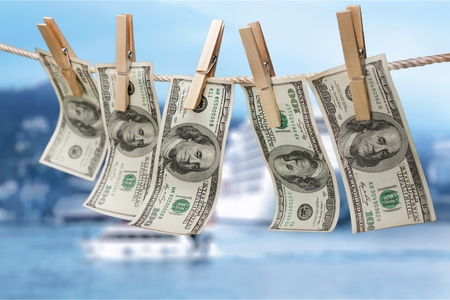 Geld witwassen.