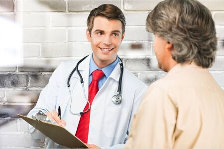 Patient consult doctor for health advice photo