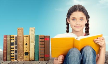 little girl loves reading Banque d'images
