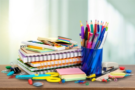 Office stationary isolated on white. Back to school concept. Banque d'images