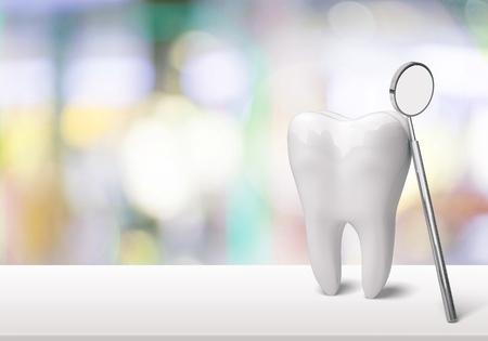Big tooth and dentist mirror in dentist clinic on background 版權商用圖片 - 90547860