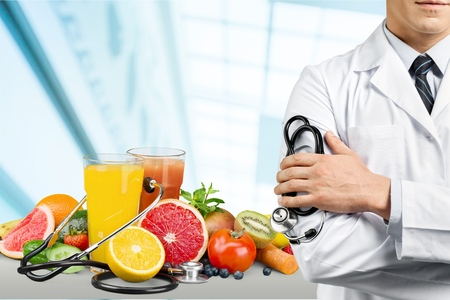 Arts met een stethoscoop Stockfoto