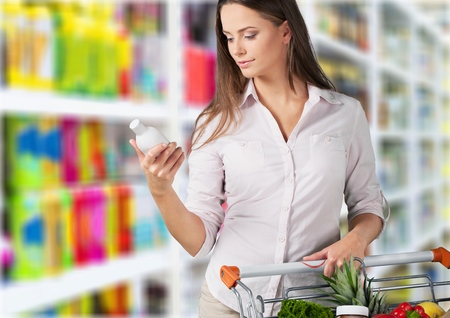 Supermarket - Reading the label