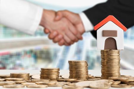 投資家ビジネスマンが一緒に握手 写真素材 - 92251012