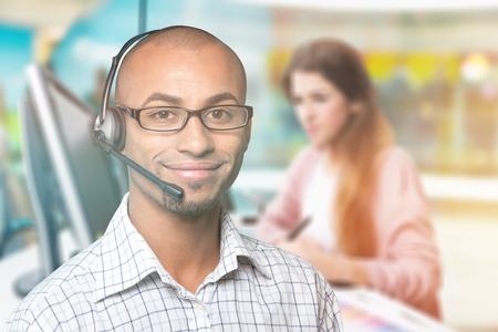 Opérateur d'assistance téléphonique